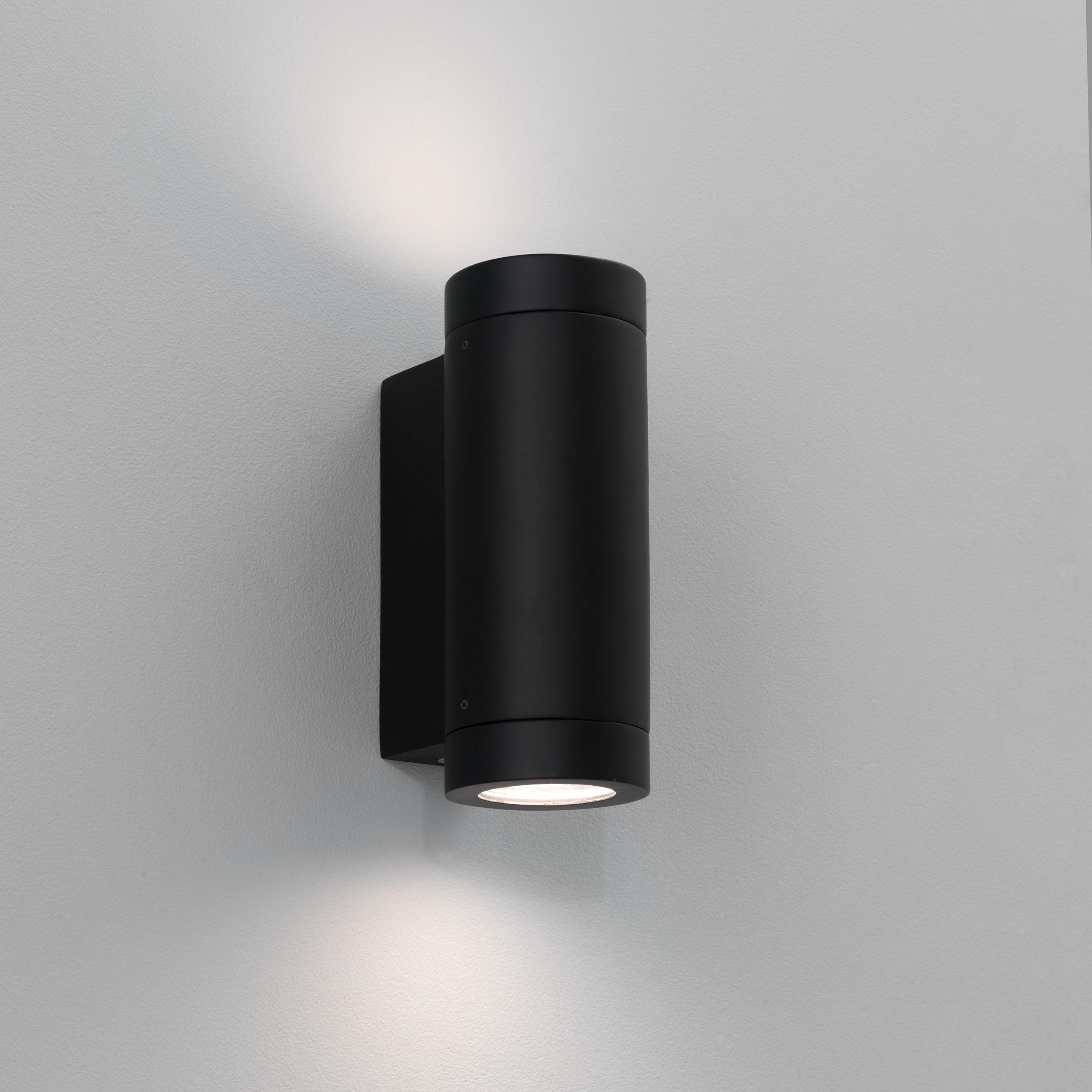 Настенный светильник Astro Porto 1082006 (0626), IP44, 2xGU10x7W, черный, металл, стекло - фото 1