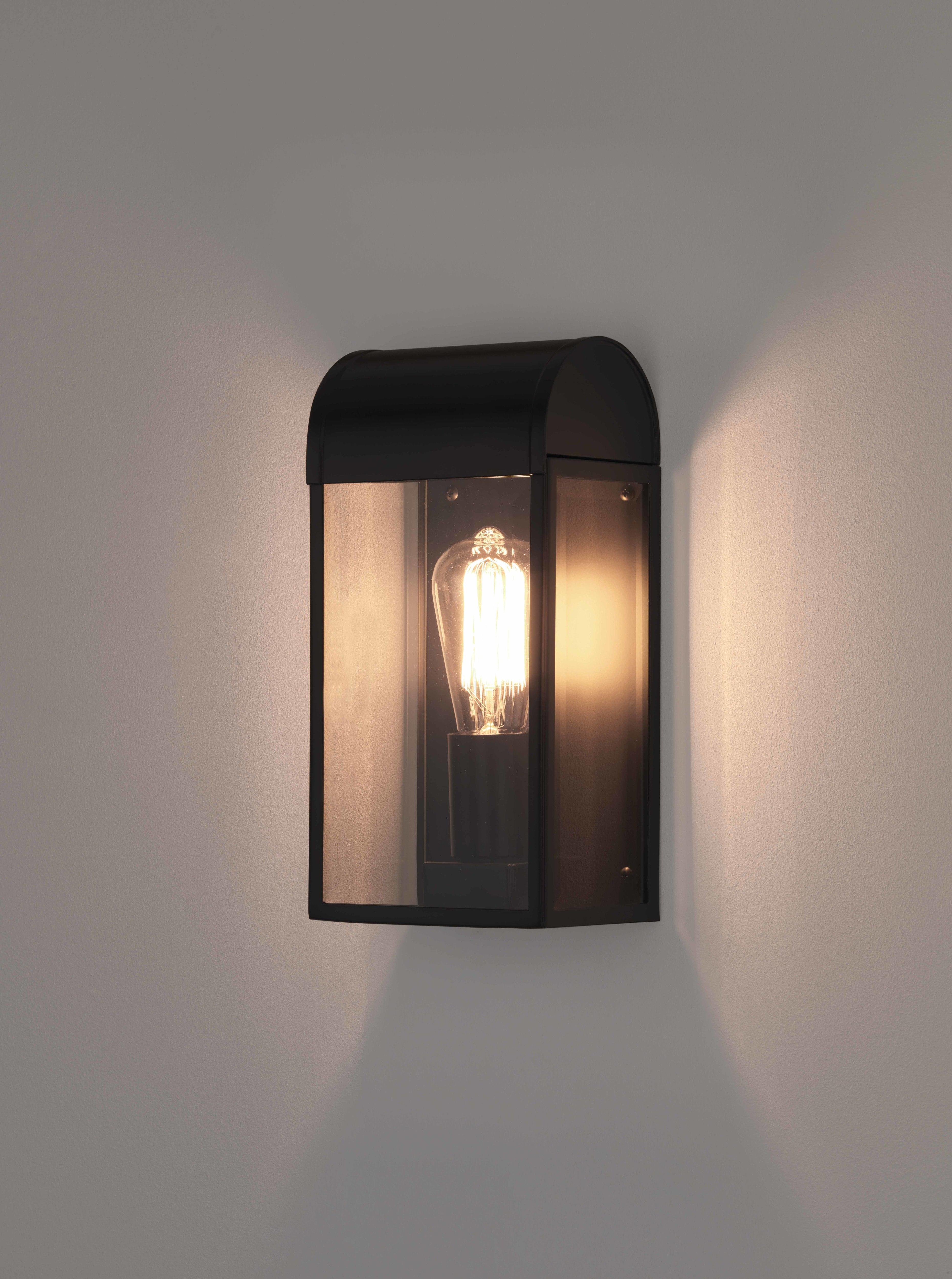 Настенный светильник Astro Newbury 1339001 (7267), IP44, 1xE27x60W, черный, прозрачный, металл, стекло - фото 1
