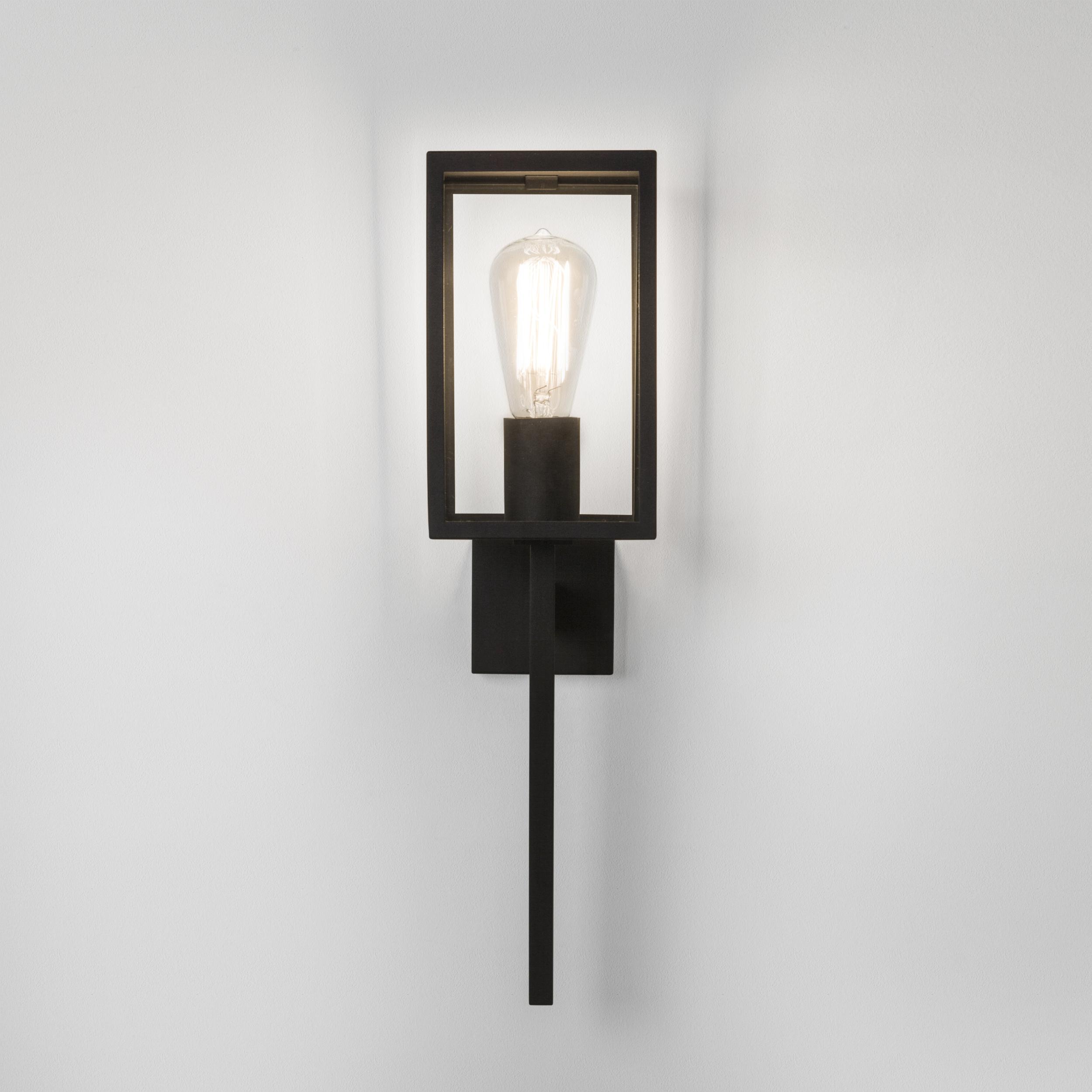 Настенный фонарь Astro Coach 1369001 (7563), IP44, 1xE27x60W, черный, прозрачный, металл, стекло - фото 2