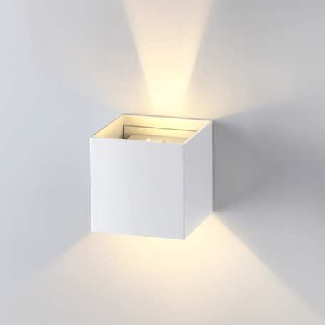 Настенный светодиодный светильник Novotech Calle 357518, IP54 3000K (теплый), белый, металл, стекло