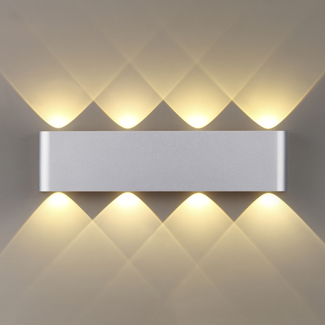 Настенный светодиодный светильник Odeon Light Hightech Magnum 4217/8WL, LED 8W 3000K 915lm, серебро, металл