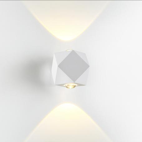 Настенный светодиодный светильник Odeon Light Hightech Diamanta 4219/4WL, IP54, LED 4W 3200K 366lm, белый, металл