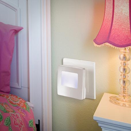 Штекерный светодиодный светильник-ночник Novotech Night Light 357329, LED 0,5W, 9000K (холодный), белый, пластик