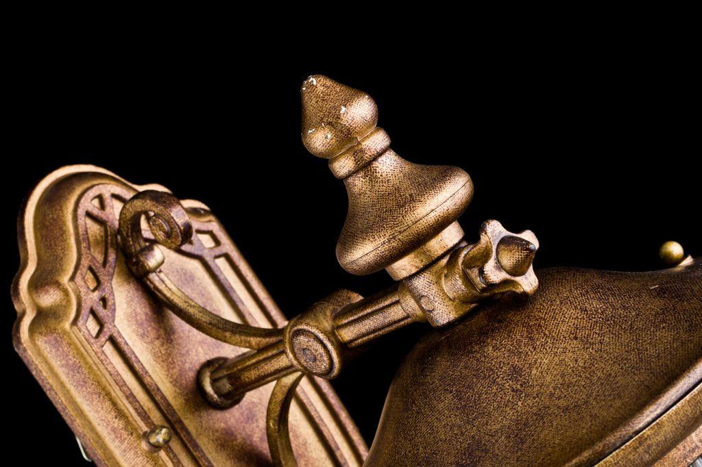 Настенный фонарь Maytoni Rua Augusta S103-48-01-R, IP44, 1xE27x60W, матовое золото, прозрачный, металл, металл со стеклом, стекло с металлом - фото 5