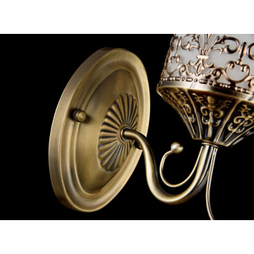 Бра Freya Sherborne FR2563-WL-01-BZ (arm563-01-r), 1xE14x60W, бронза, белый, металл, стекло - миниатюра 5
