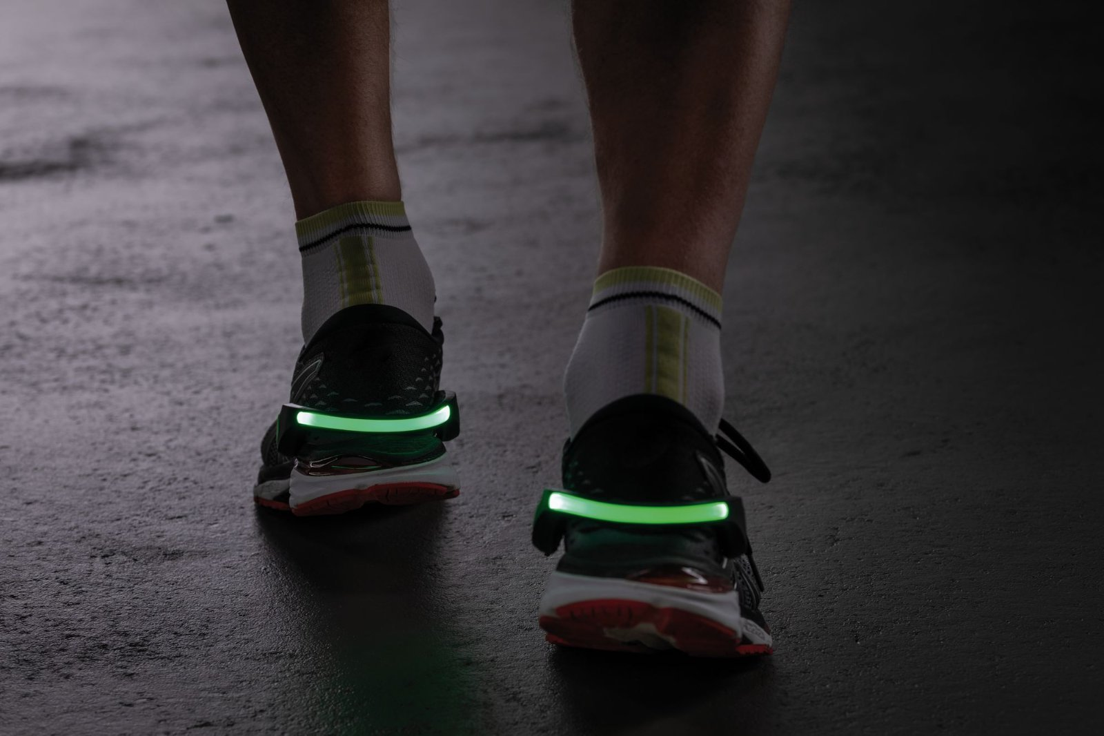 Светодиодное браслет на кроссовки со светодиодной подсветкой Paulmann Shoe Clip 70972, LED 0,2W, черно-белый, черный, пластик - фото 6