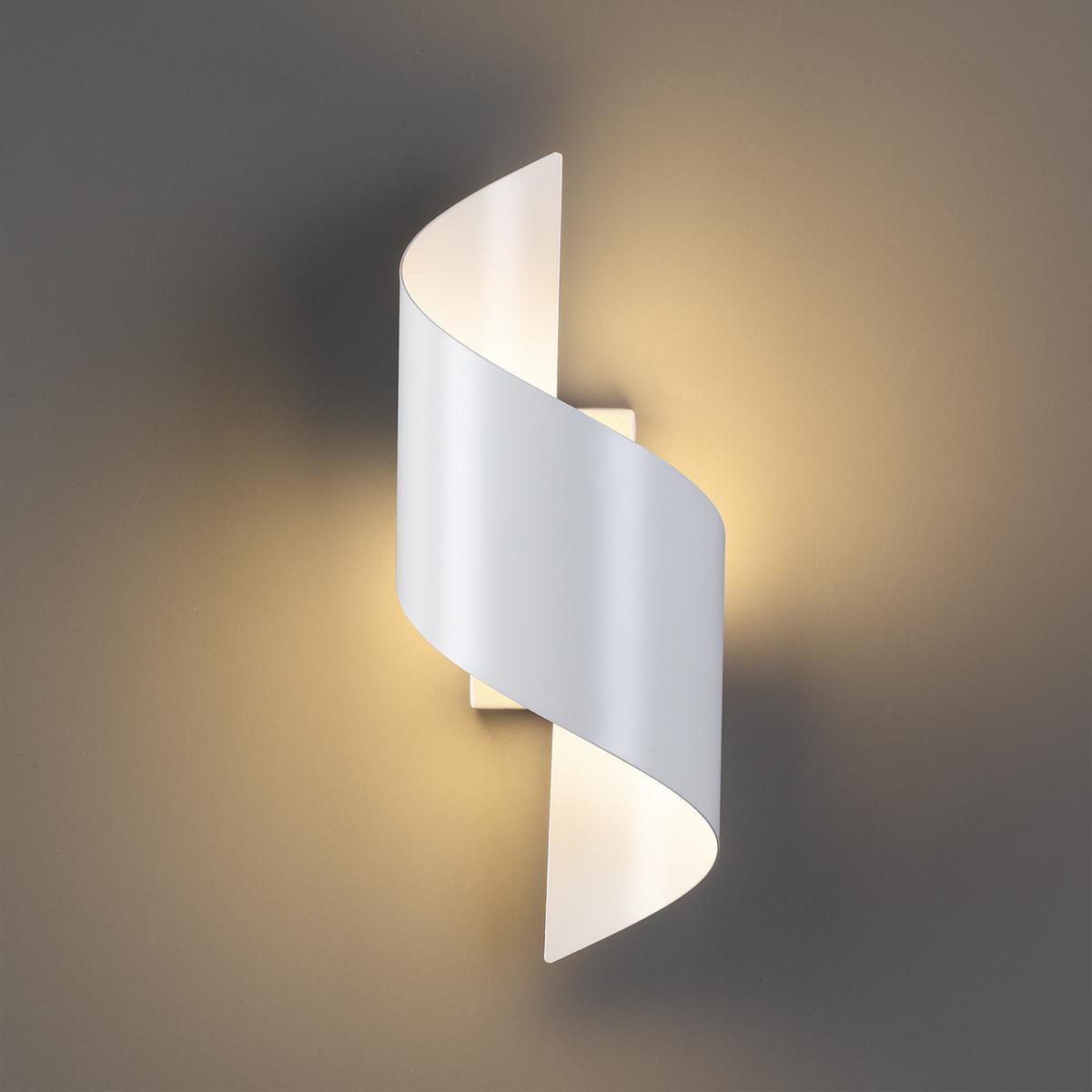 Настенный светодиодный светильник Odeon Light Boccolo 3543/5LW 3000K (теплый), белый, металл - фото 1
